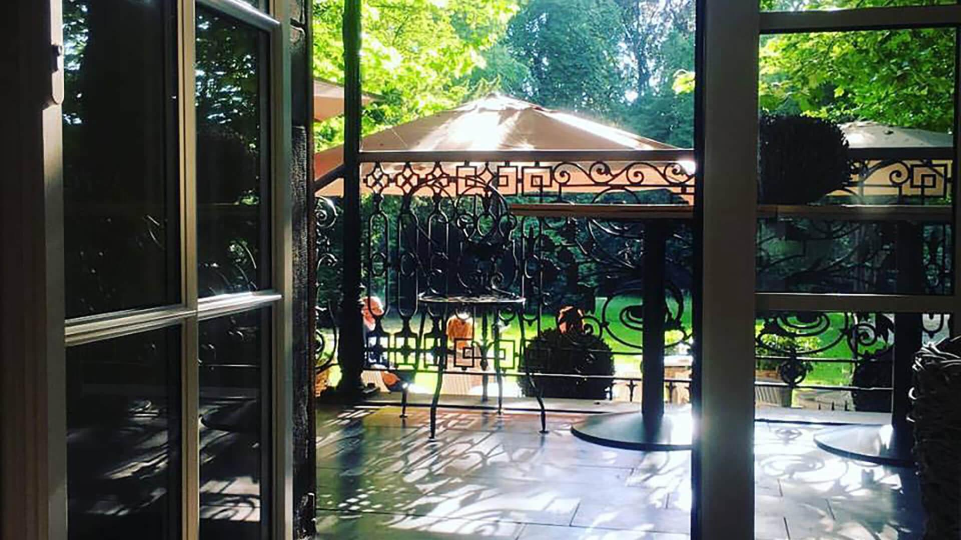 https://www.hostellerielesco.com/wp-content/uploads/2021/04/Lesco-restaurant-depo-wetteren-mechelen-terras.jpg